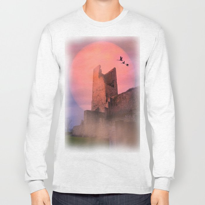 Castle in the evening Long Sleeve T-shirt