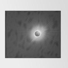 Solar Eclipse -2017 Throw Blanket