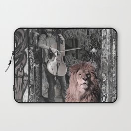 Listening the music. African Invasion. Laptop Sleeve
