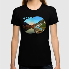Pontoon landing stages in the harbour | waterscape photography T-shirt