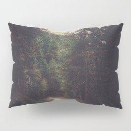 Wander inside the mountains Pillow Sham