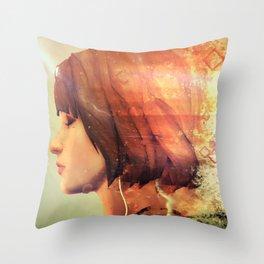 Life Is Strange 7 Throw Pillow