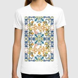Sicilian vintage summer blue tiles pattern with lemon and kiwi T-shirt