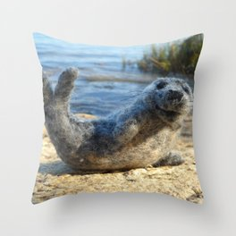 Harbor Seal on the rocky Maine coast Throw Pillow