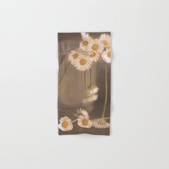 Vintage daisies(2). Hand & Bath Towel