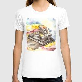 Vintage gadget series: Polaroid SX-70 Model 3 Land Camera T-shirt