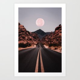 Road Red Moon Kunstdrucke