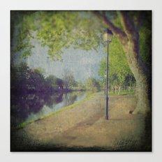 8719 Canvas Print