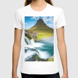 Reykjavik Kirkjufell Mount waterfalls Icelandic landmarks Europe Abenrot Iceland T-shirt