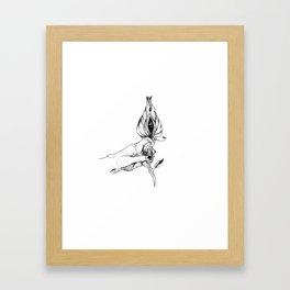 c'est pas une vulve c'est un oeil Framed Art Print
