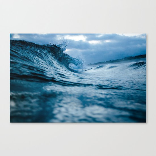 Wave 5 Canvas Print
