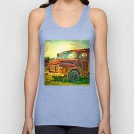 Old Rusty Bedford Truck Unisex Tank Top