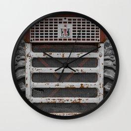 International Farmall 560 Grill Rusty Red Tractor Wall Clock