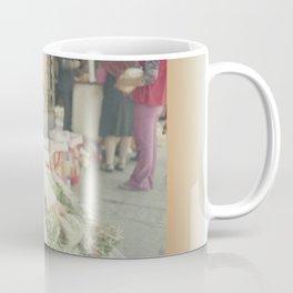 Mujer Peruana en el Mercado Coffee Mug