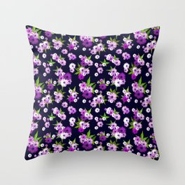 Scattered bright flowers Throw Pillow