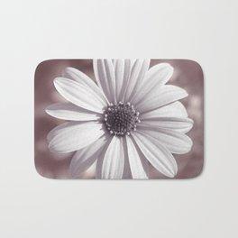 White Daisy Bath Mat