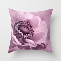 Anemone rosé Throw Pillow