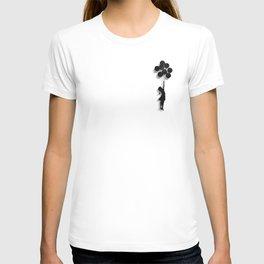 Banksy Fly Away  T-shirt