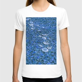 Mushroom road in the forest - blue T-shirt