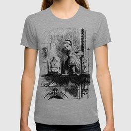 Alice climbing into the Looking Glass Land- John Tenniel T-shirt