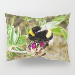 bumble bee on the dunes I Pillow Sham