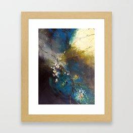 Branche légère dans la tourmente Framed Art Print