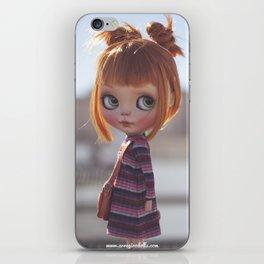 Carmencita Blythe doll y Erregiro iPhone Skin