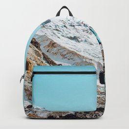 UNRECOGNIZABLE - PERSON - STANDING - ON - SNOWY - PATH - AND - ADMIRING - VIEW - ON - MOUNTAIN - PHOTOGRAPHY Backpack