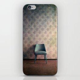 chaise II iPhone Skin