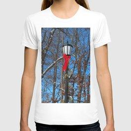 Wildwood Lightpost in Winter II T-shirt