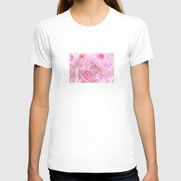Lovely pink vintage roses for valentine T-shirt