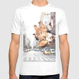Selfie Giraffe in New York T-shirt