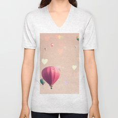 Hot air balloons nursery and heart bokeh on pale pink Unisex V-Neck