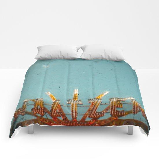 Waltzer Comforters