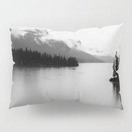 Maligne Lake | Landscape Photography | Alberta | Canada Pillow Sham