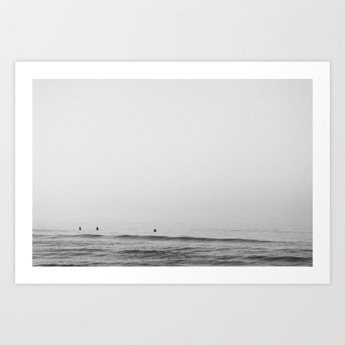 Surfers - Black and White Ocean Photography Huntington Beach California Kunstdrucke