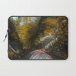 Into the Seychellian leaves Laptop Sleeve
