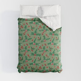 Frosty Holly and Berries Pattern [LIGHT GREEN] Comforters