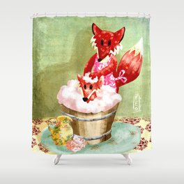 Fernando raposo apestoso Shower Curtain