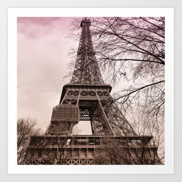 Pink sunset at the Eiffel tower in Paris Art Print