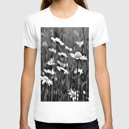 She's a Daisy T-shirt
