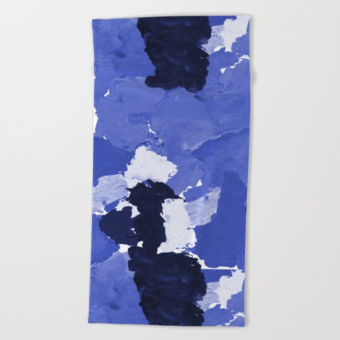 Kenni - abstract paint palette blue white navy bright modern gender neutral painting brushstrokes  Beach Towel