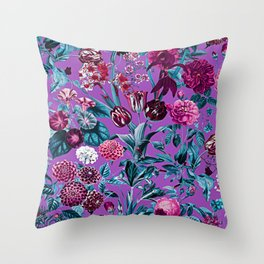 Romantic Floral Pattern Throw Pillow