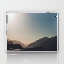 Kitesurfing the Gorge Laptop & iPad Skin