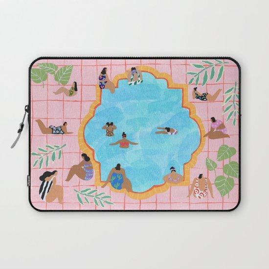 Marigold pool by helobirdie