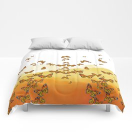 Monarch Butterflies on Watercolor Ombre Background Comforters