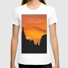 London Sunset in sillouette bywhacky T-shirt
