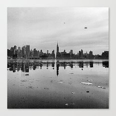 CITY REFLECTION Canvas Print