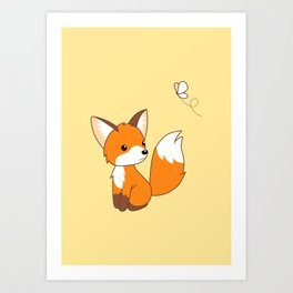 Cute Little Fox Watching Butterly Kunstdrucke
