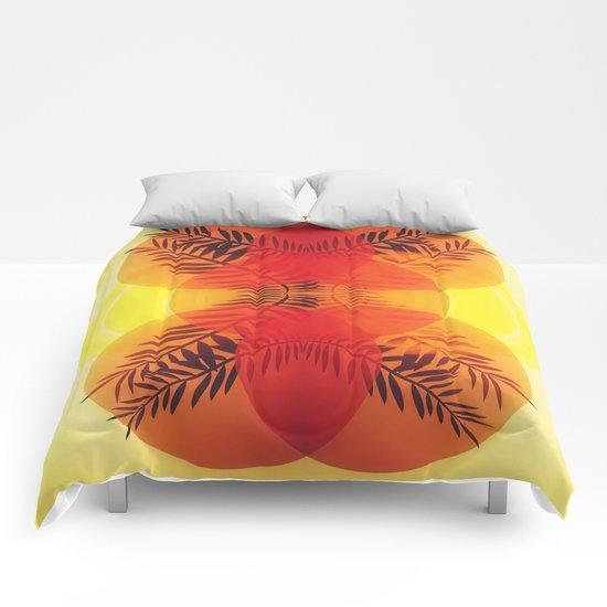 NEVER HIDE THE SUN Comforters